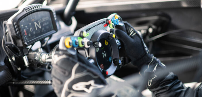 Bentley and Fanatec co-develop steering wheel for multiple applications